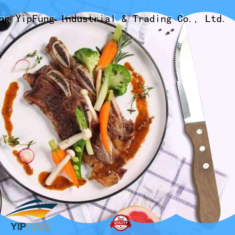 YipFung easy cutting serrated steak knives with good price for home use